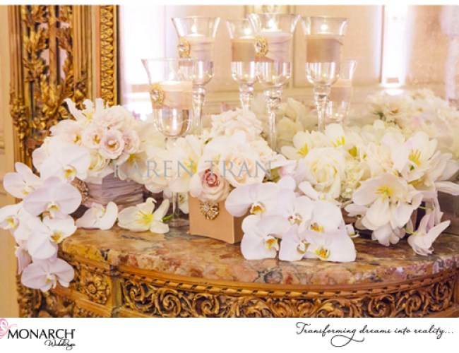 Orchid-roses-french-vintagte-wedding-westgate-hotel