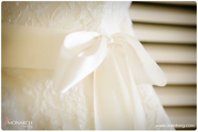 Lace-wedding-dress-la-valencia-hotel