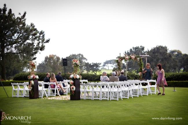 Lodge-at-Torrey-pines-wedding-arroyo-terrace-ceremony-rustic-arbor