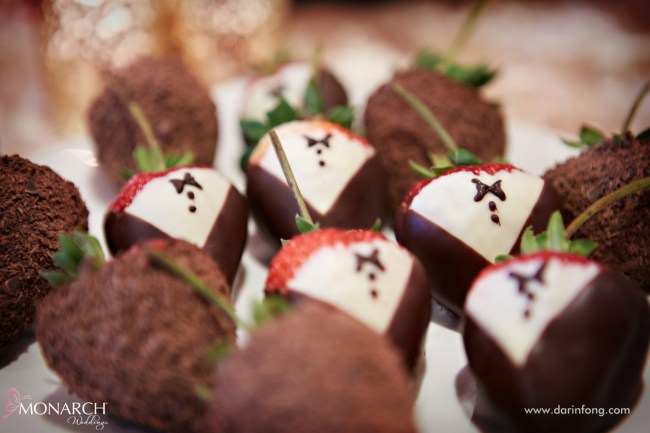 Lodge-at-Torrey-pines-wedding-chocolate-covered-strawberries