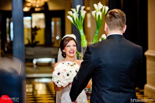 First-Look-Great-gatsby-prado-balboa-park-wedding-san-diego-wedding-planner