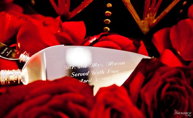 Custom-cake-knife-and-server-red-roses-wedding