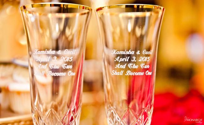 Custom-champagne-flutes-wedding