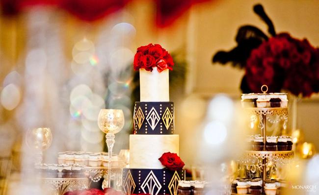 Gatsby-Wedding-Cake-Hey-there-Cupcake