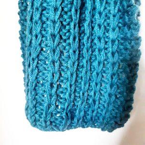 Photo faire une écharpe au point de côte à maille glissée laine puna de drops monblabladefille.com