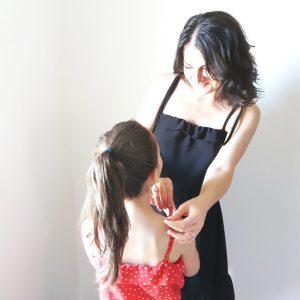 Photo patron de ma petite robe noire mini Lou couture mère-fille mespatronsdefille makerist monblabladefille.com