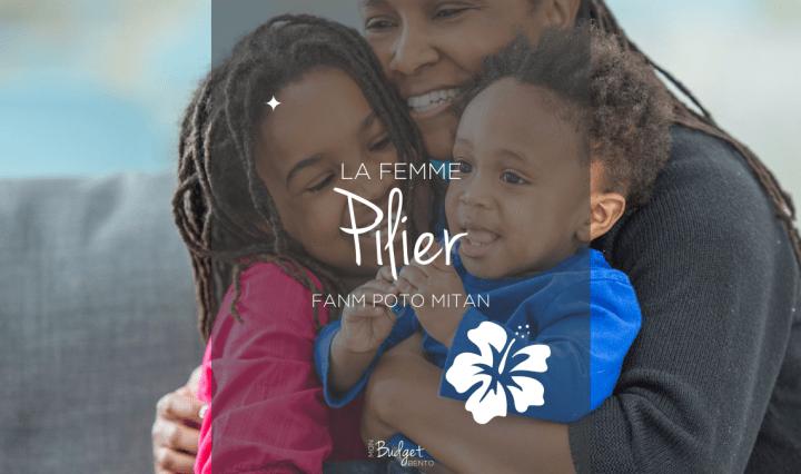 Femme noire avec ses 2 enfants une fille et un garçon