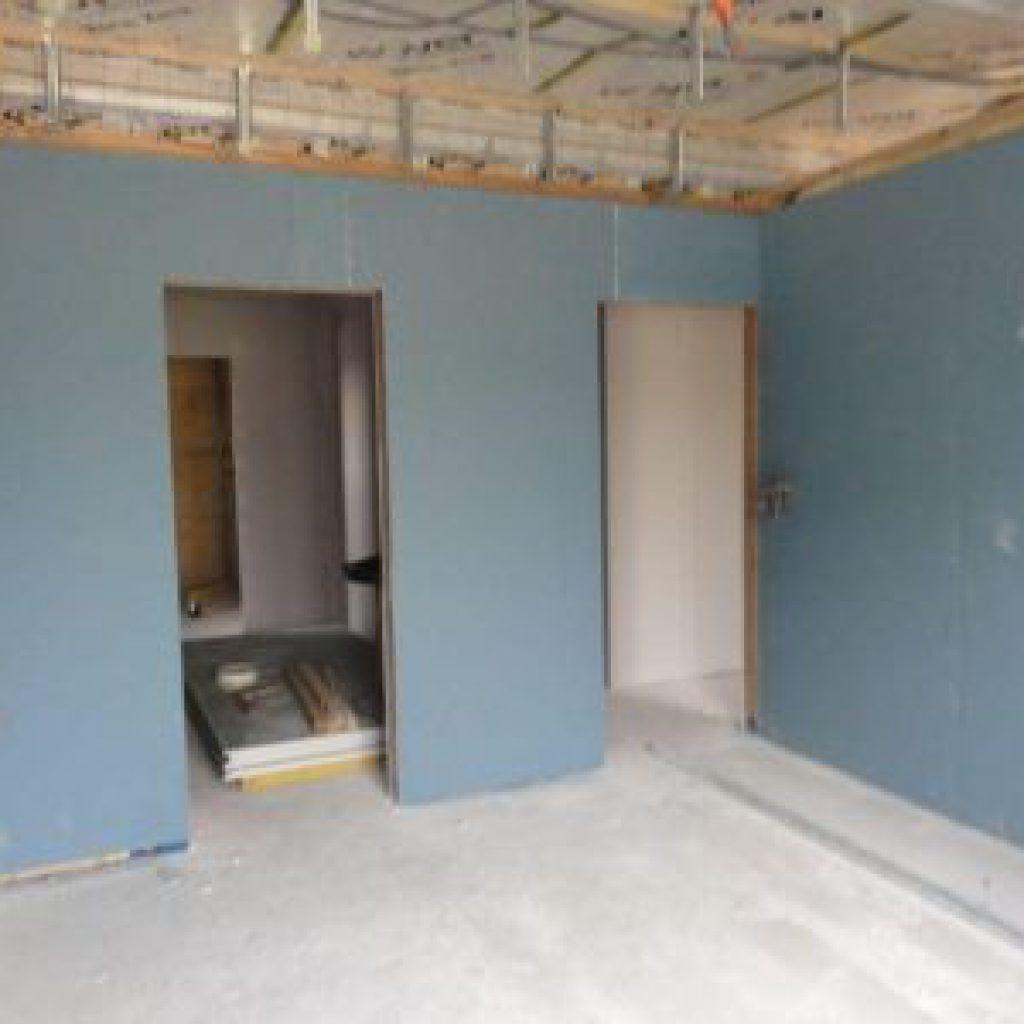 couper rail placo bricolage de l id e la r alisation. Black Bedroom Furniture Sets. Home Design Ideas