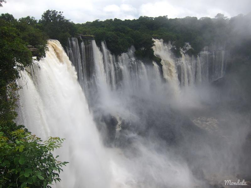 Photo des chutes de Kalandula, prise de l'accès Ouest en venant de Malanje