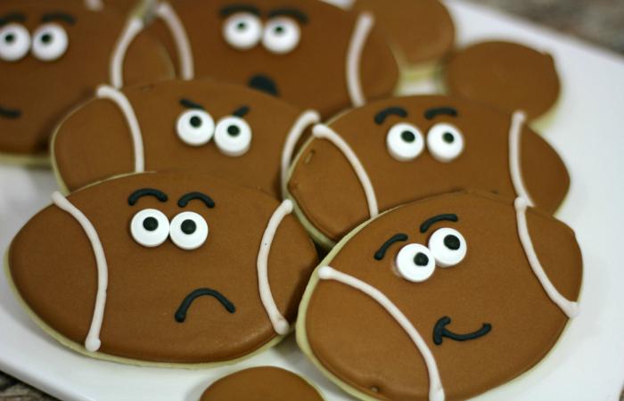 Football-cookies-1-3