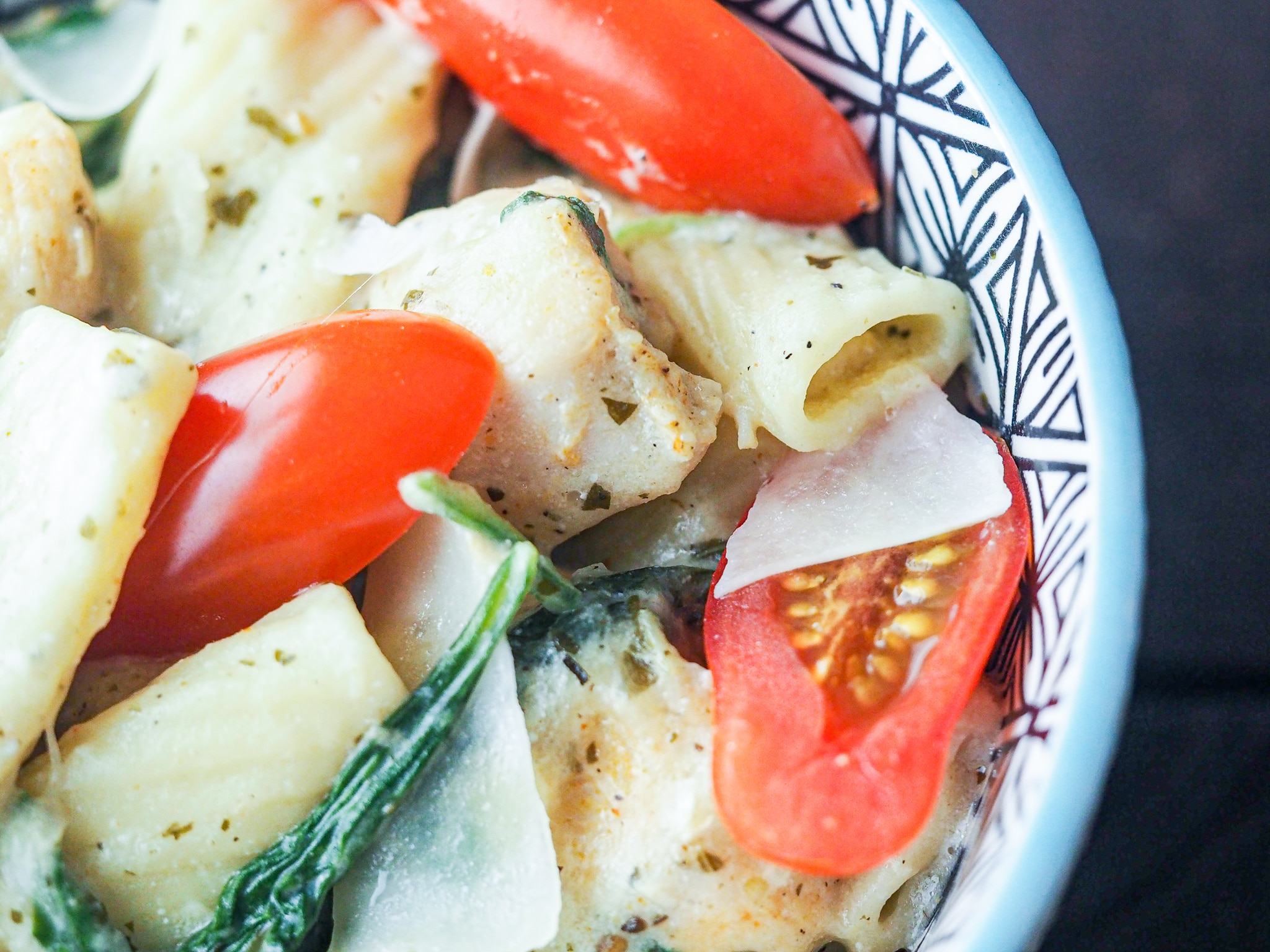 Instant Pot Creamy Chicken Pesto Pasta