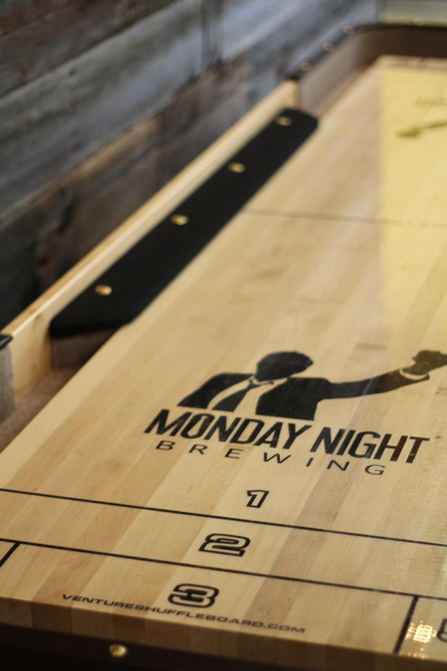 venture-shuffleboard-table-monday-night-logo