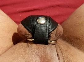 camisole de sexe en cuir fermée