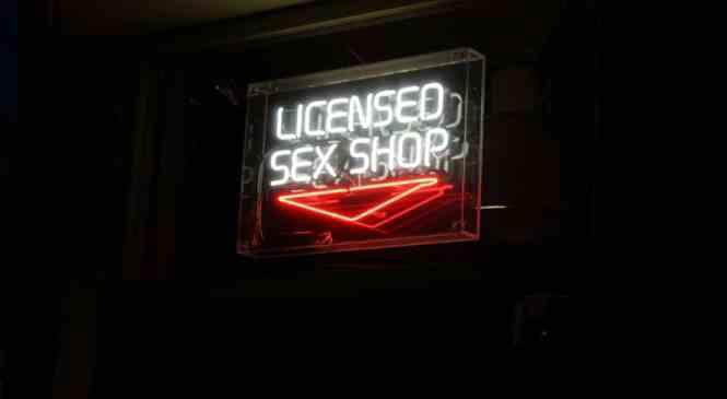 Les sex-toys pour homme disponibles dans les boutiques coquines