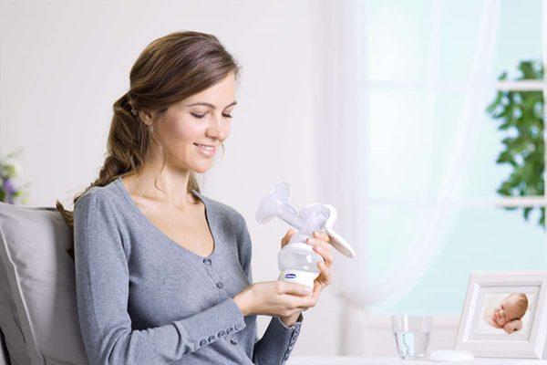 عملية شفط اللبن لدى الأم