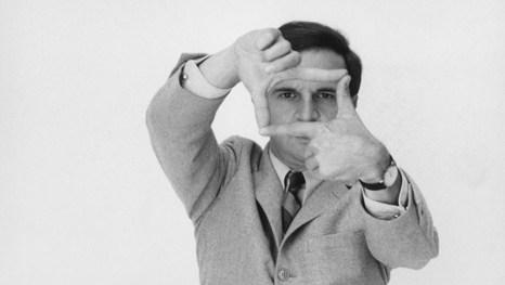 Em clima de despedida, a exibição Truffaut: Um Cineasta Apaixonado segue até 18 de outubro (domingo) no MIS. Entre os mais de 600 itens expostos – como desenhos, fotos, livros, documentos, revistas e roteiros –, destacam-se os prêmios Oscar (1974) e César (1981) originais e os manuscritos do diretor da Nouvelle Vague (1932 – 1984). Com curadoria de Serge Toubiana. Ingressos: R$ 10 (inteira) e R$ 5 (meia). Às terças-feiras, a entrada é gratuita. www.mis-sp.org.br