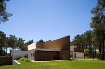 Minimalist Modern Lake House