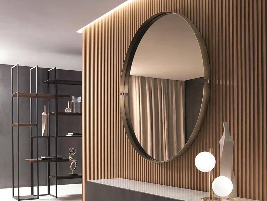 Oggi, molti scelgono un cassettone con uno specchio nella camera da letto. Spettacolari Specchi Per La Camera Da Letto Mondodesign It