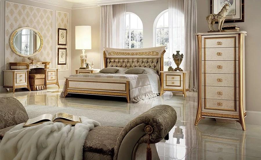 Con le camere da letto matrimoniali classiche nella stanza si crea un'eleganza. 30 Camere Da Letto Di Lusso In Stile Classico Mondodesign It