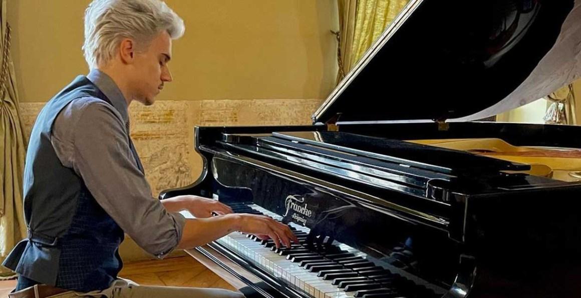 Pietro Morello al pianoforte