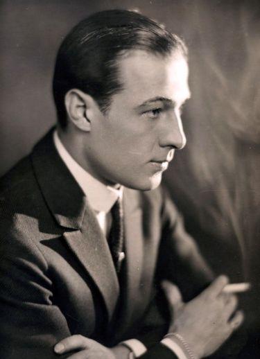 Rodolfo Valentino foi um dos maiores astros do cinema mudo de Hollywood @ Reprodução