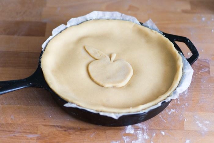 Marzipan-Apple-Pie-Mondomulia-7