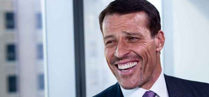 tony-robbins-idealab-pano-real_90676.jpg