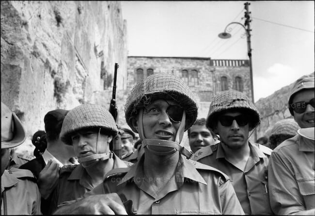 1967: Generals (L to R) Yitzhak Rabin, Moshe Dayan and Uzi Narkis, entering Jerusalem following 1967 war