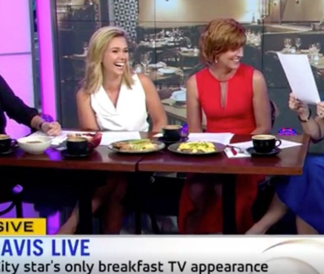 Kristin Davis Irked After Awkward Sex And The City Skit Hijacks Refugee Talk