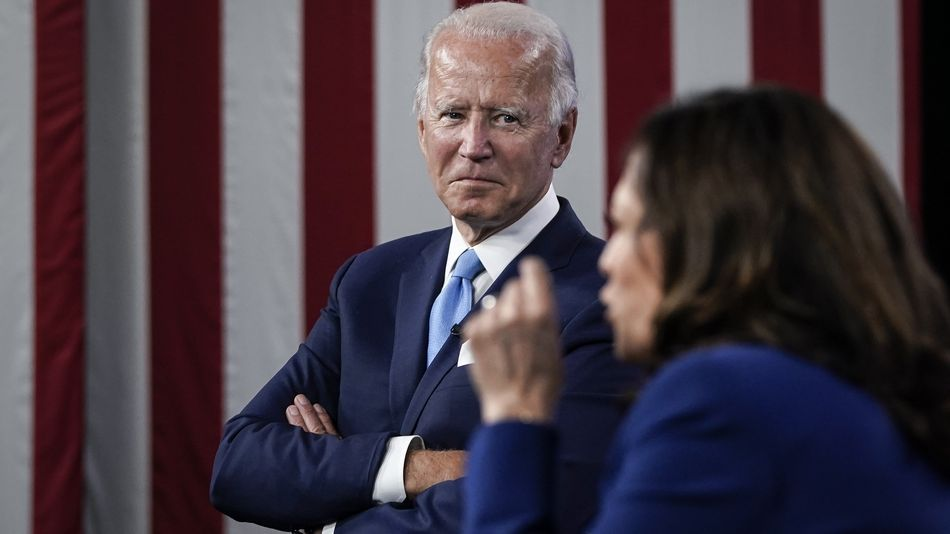 No, of course Joe Biden doesn't own antifa.com