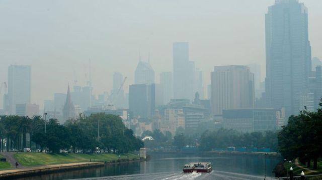 Australian Open tennis players affected by bushfires as air quality reaches hazardous levels