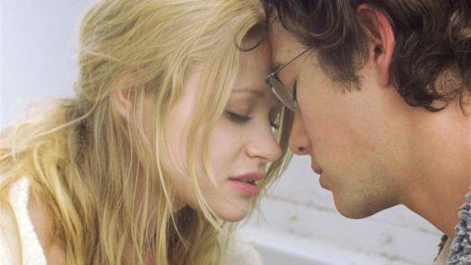 Joseph Gordon-Levitt and Emilie de Ravin in 'Brick.'