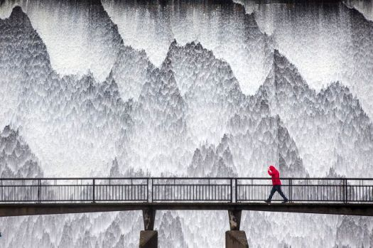 Spectacularly beautiful weather photos will remind you what the outdoors looks like 9