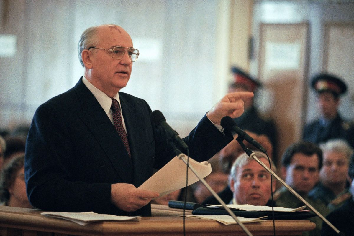 Mikhail Gorbachev testifies in Russia's Supreme Court, at the trial of the men charged with treason and conspiracy to seize power in the 1991 coup attempt.