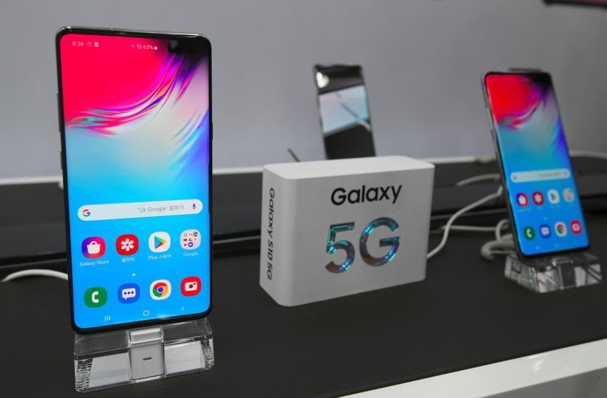 Samsung beat Apple in the market with a compatible 5G phone for at least a year.