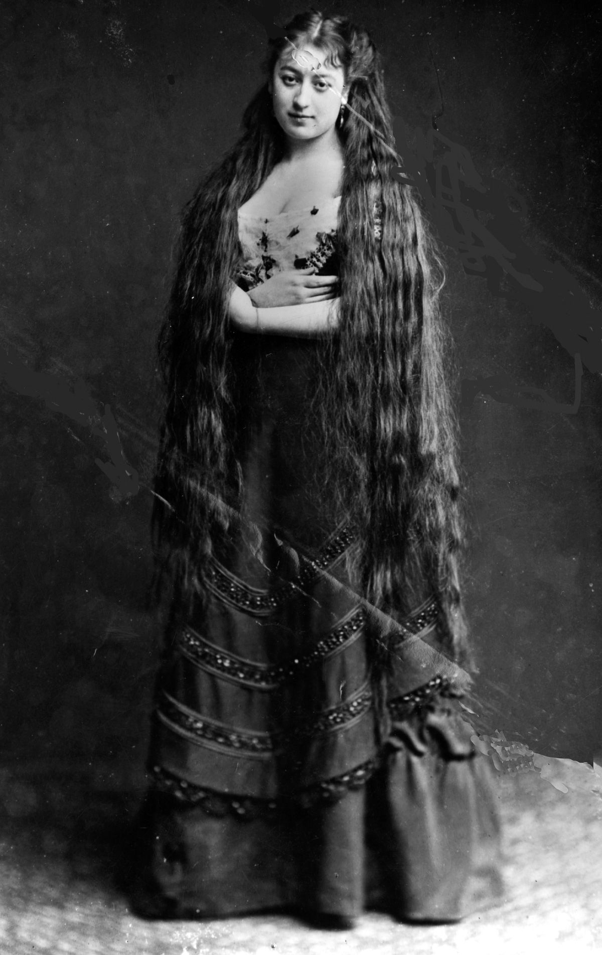 victorian women cut
