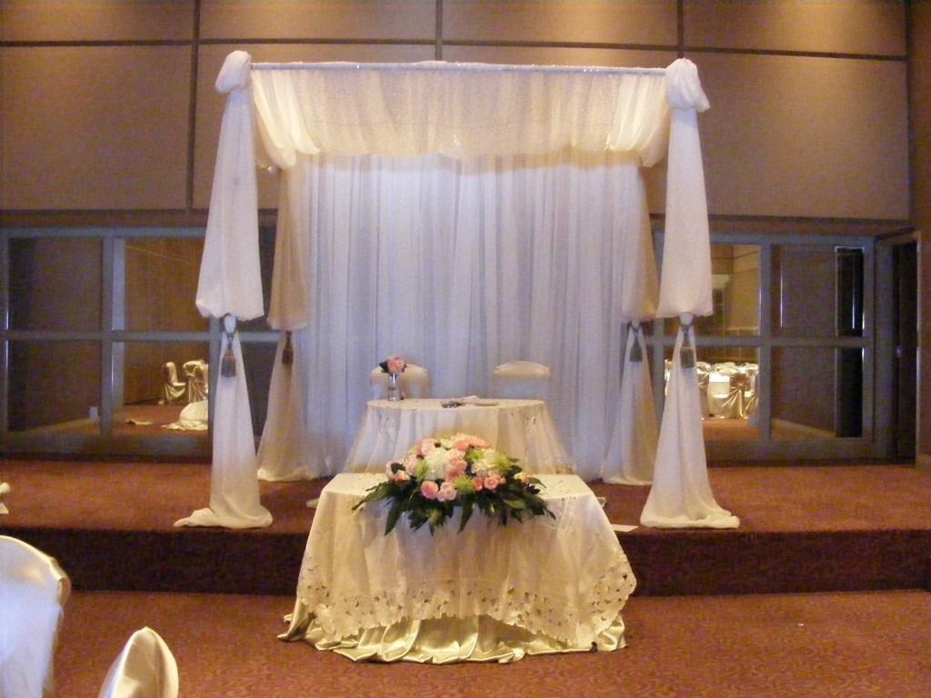 4 Ways to Decorate with Draping