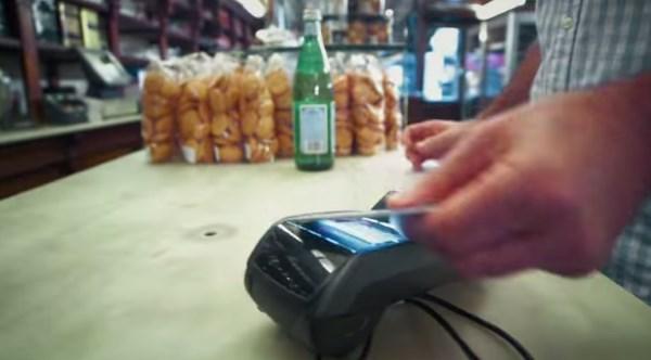 Thumbprint-reading bank card