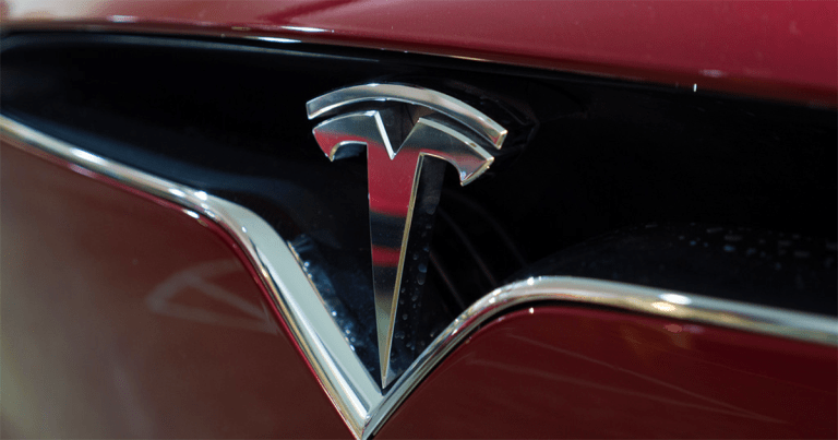 Should I invest in Tesla? Four facts that predict the future