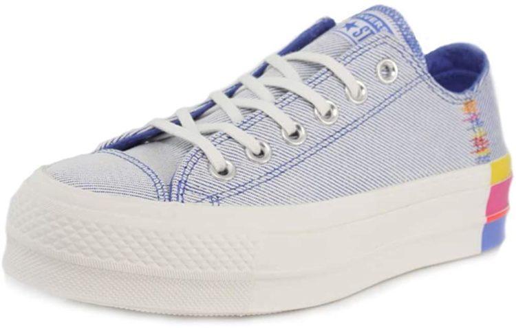 Converse - Women's Lift Canvas Low Top Platform Sneaker