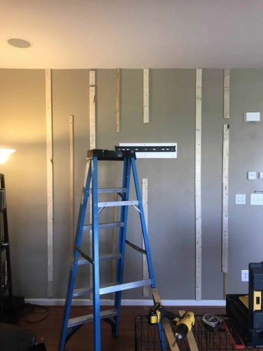 planks pallet wall