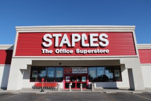 Staples Black Friday Apple iPad mini 4 deal