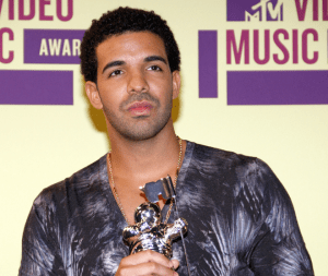 How much money Drake per year from albums