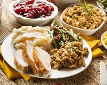 popular restaurants open Thanksgiving day