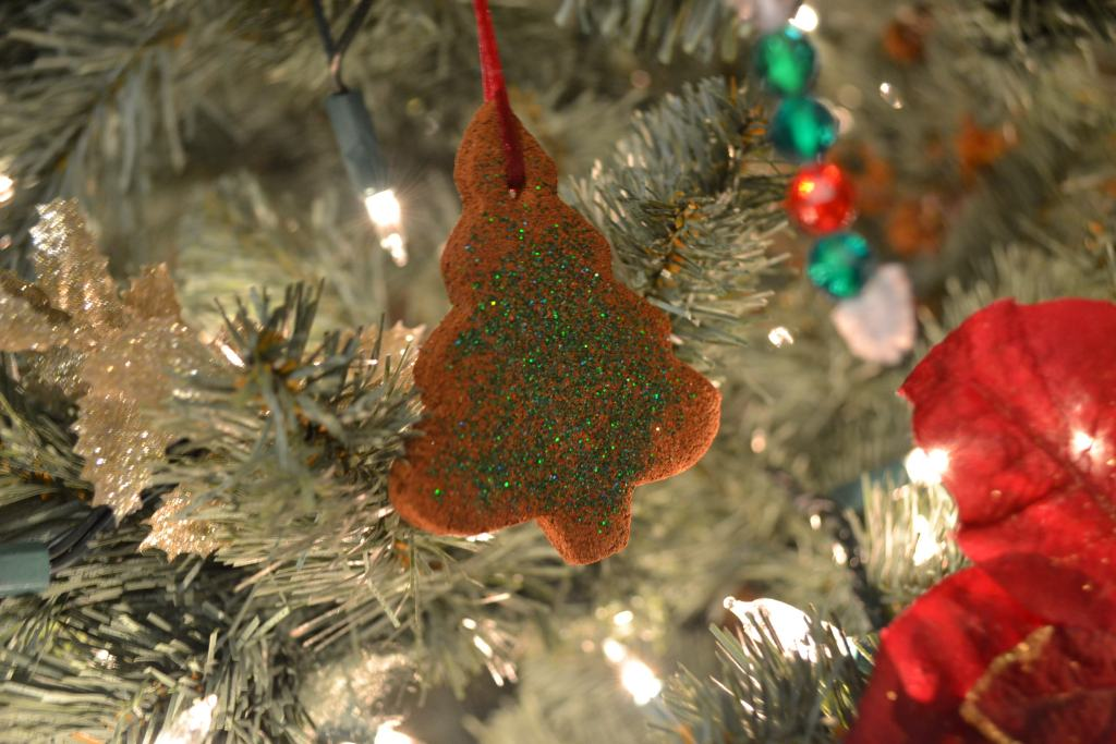 Homemade Cinnamon Christmas Ornaments