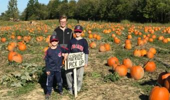 15 Frugal Fall Family Acitivities // Money Savvy Living #fall #autumn #family #familyfun #fallactivities #pumpkinpatch #pumpkin #hayride