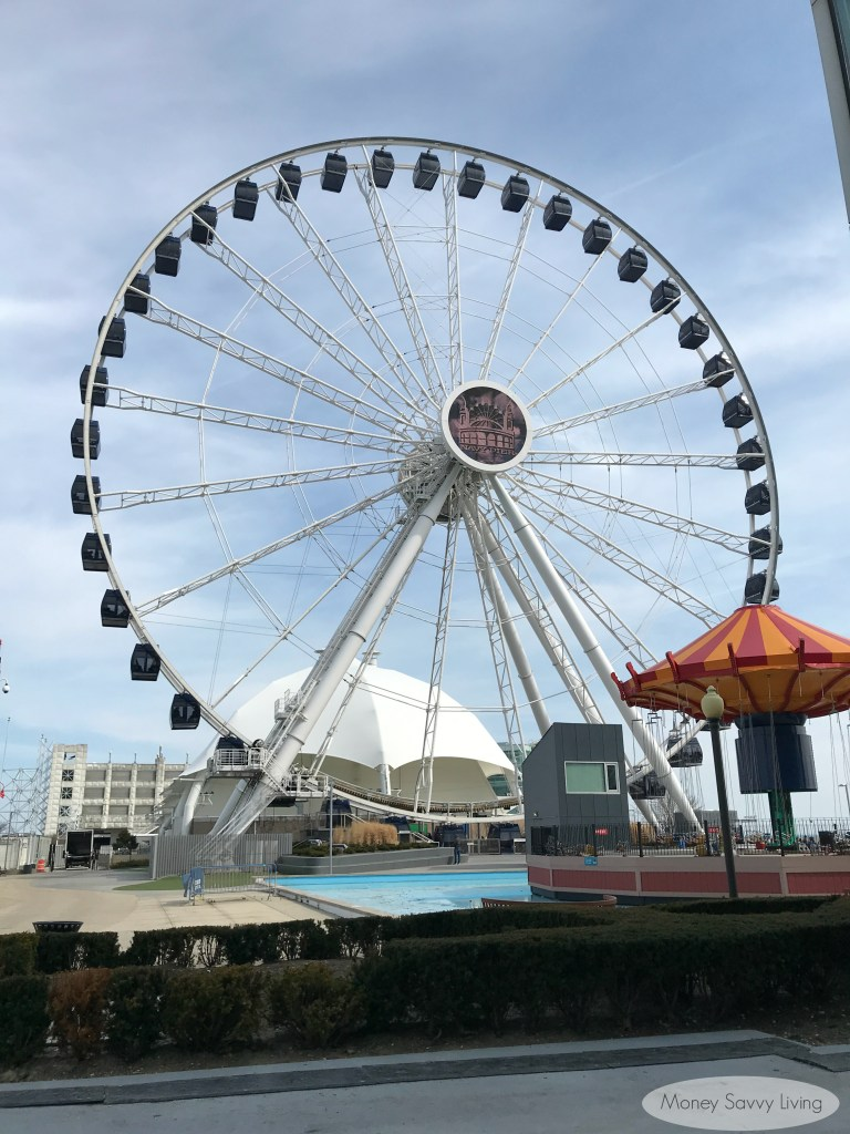 Have some family fun at the Navy Pier in Chicago! #ferriswheel #centennialwheel #navypier #chicago #travelchicago #choosechicago