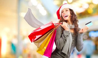Best Black Friday Savings Hacks. Learn all the tips and tricks for saving the most money and getting the best deals for your Christmas shopping #Christmas #christmasshopping #holidayshopping #shopping #blackfriday #blackfridaydeals #savingshacks #shopping