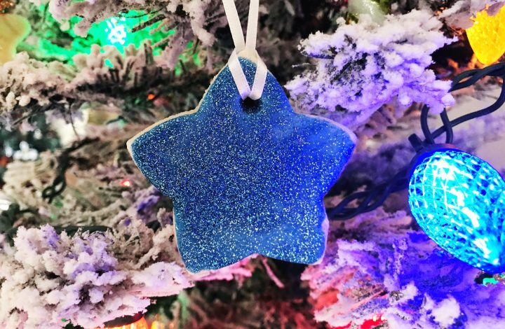 Here is a fun craft for your kids to make this Christmas! These are so fun to make-- Salt Dough Ornaments! #Christmas #christmastree #ornaments #ChristmasOrnaments #saltdoughornaments #Christmascraft #kidcraft #star
