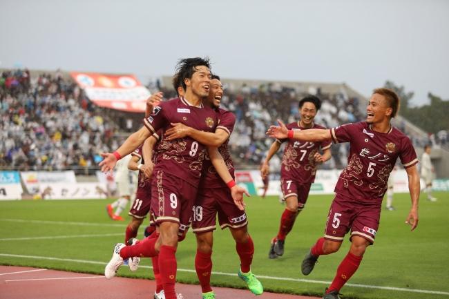 GMOコインがオフィシャルトップパートナーをつとめるFC琉球、開幕戦でJ2リーグ初勝利!